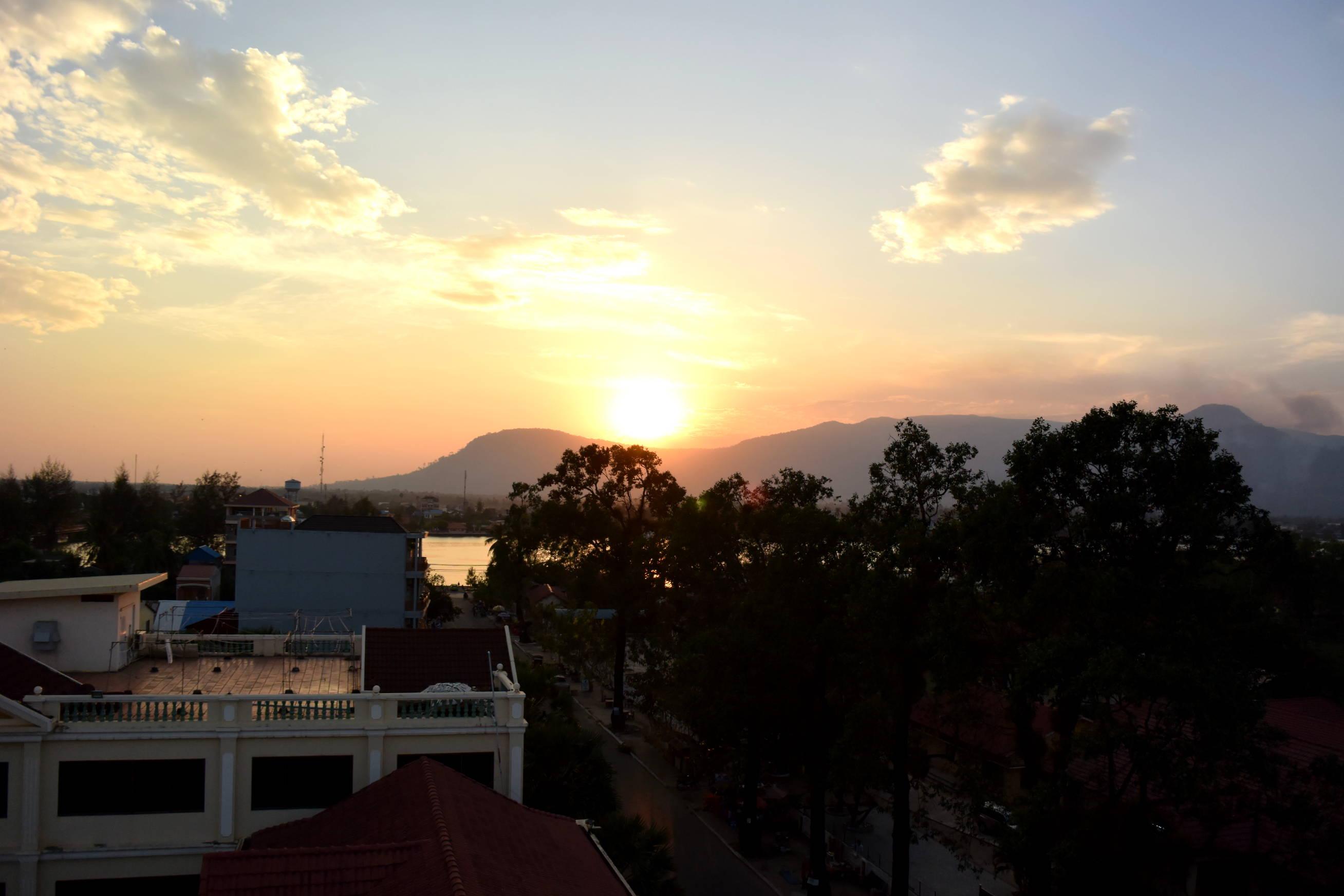 Coucher de soleil sur Kampot au Cambodge 2