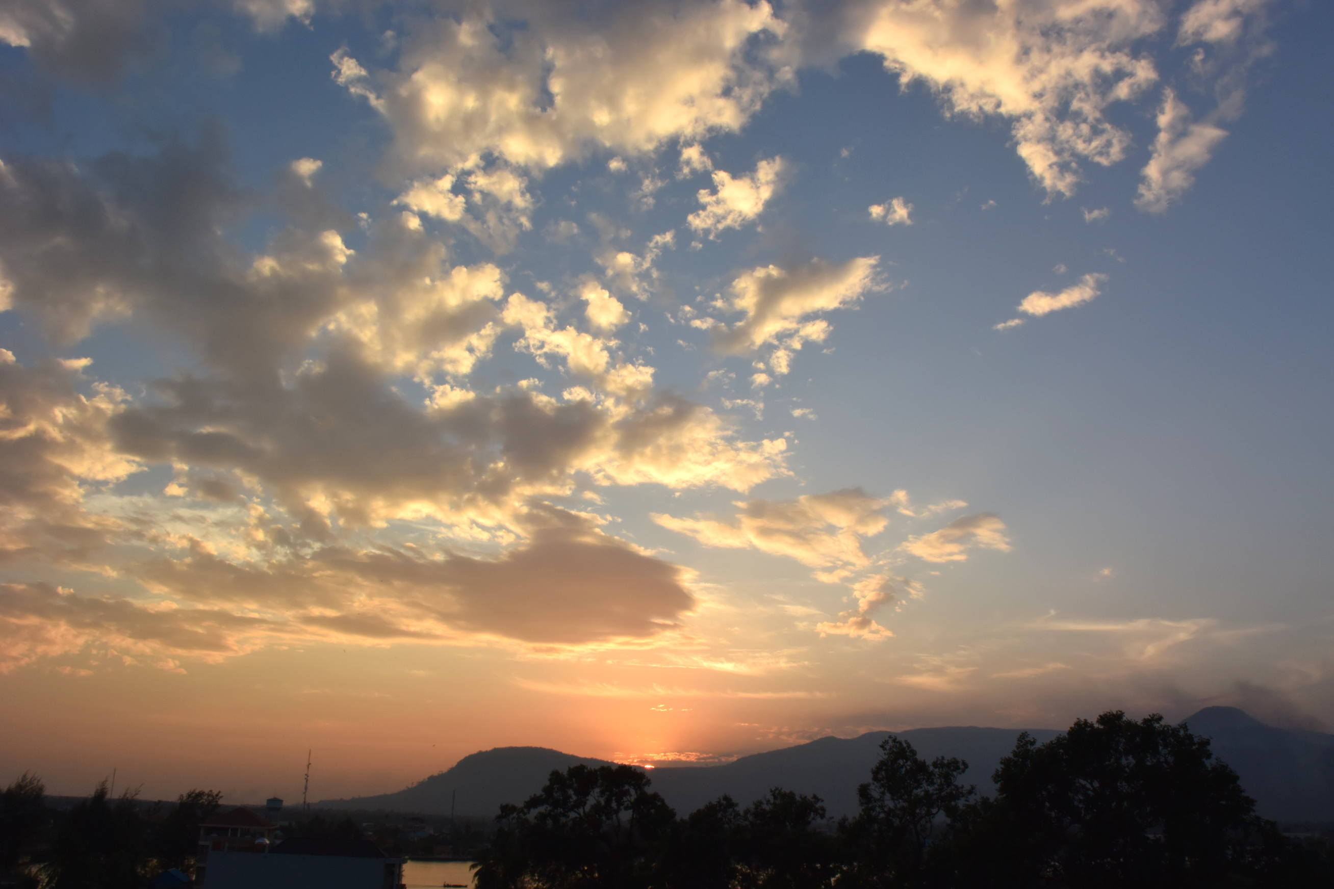 Coucher de soleil sur Kampot au Cambodge 3