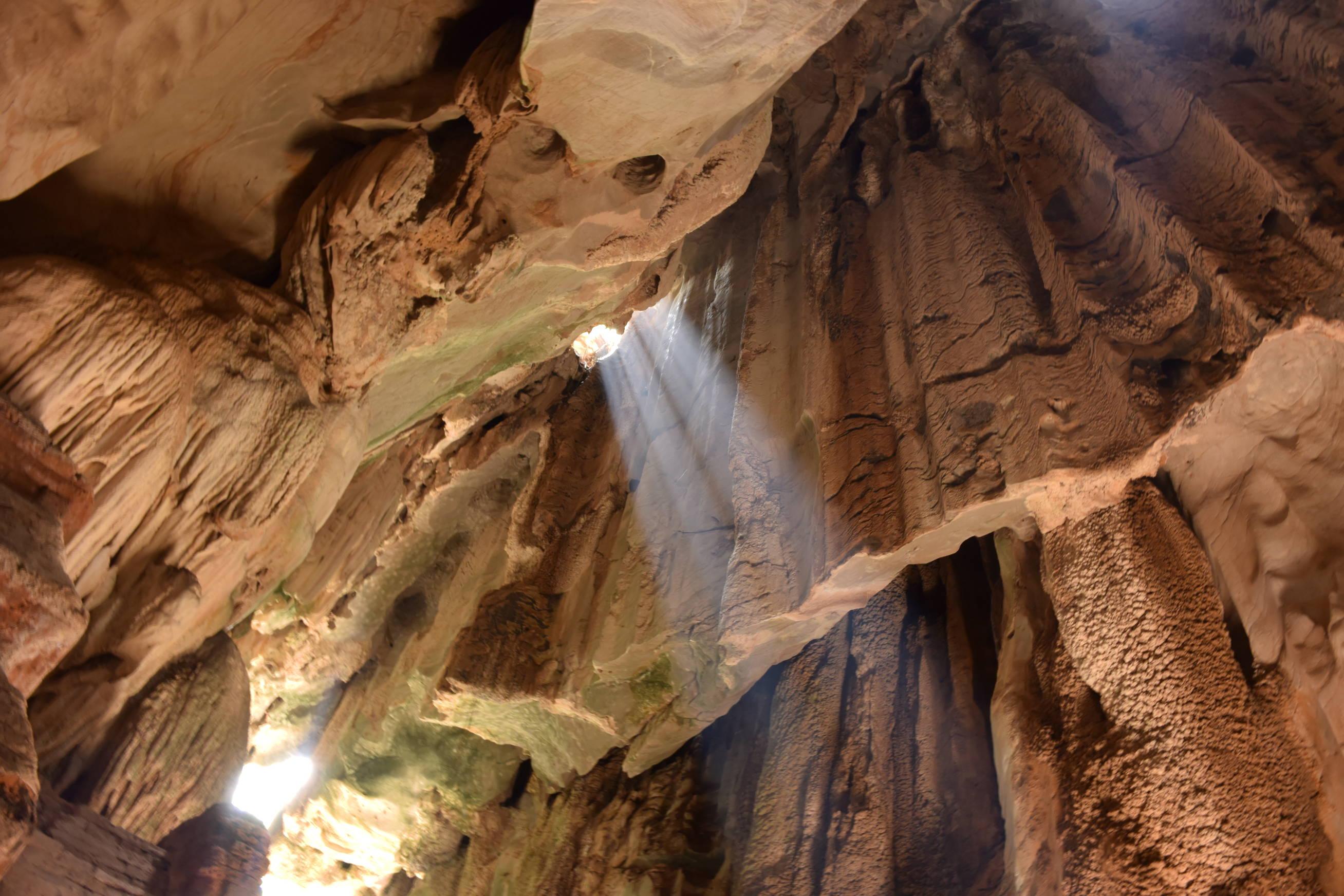 Grotte de Phnom Chnork au Cambodge 1