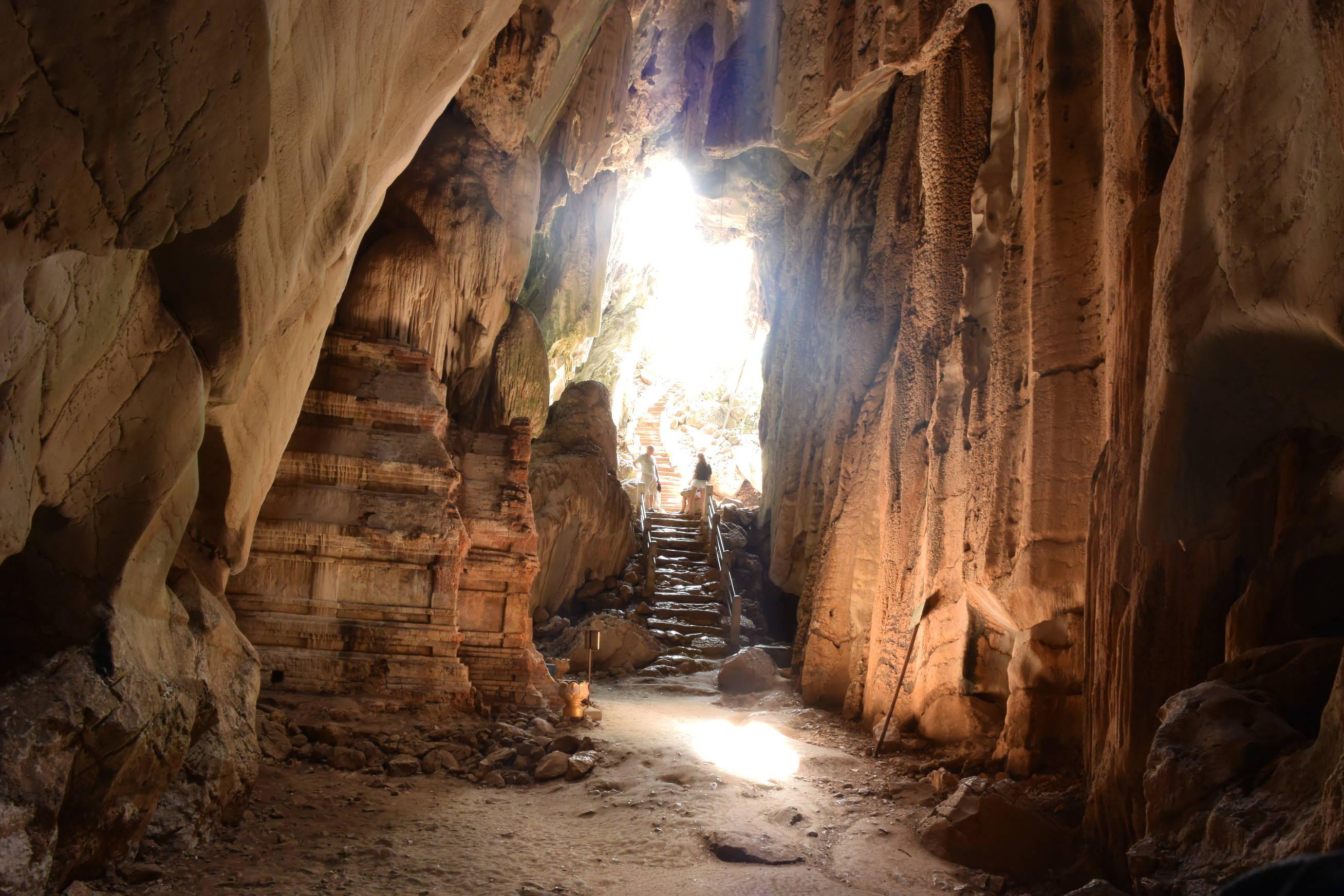 Grotte de Phnom Chnork au Cambodge 2