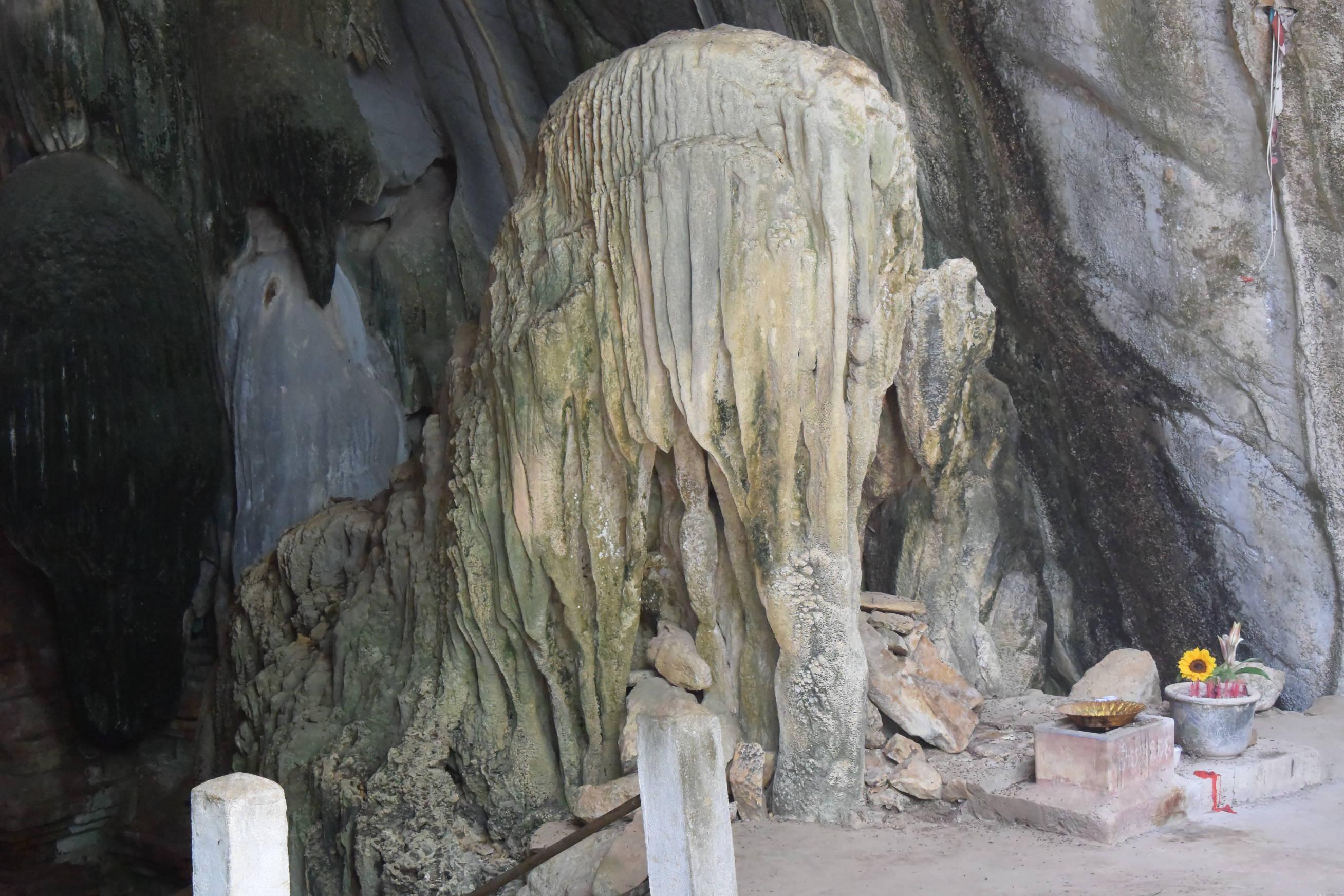 Grotte de Phnom Chnork au Cambodge 3