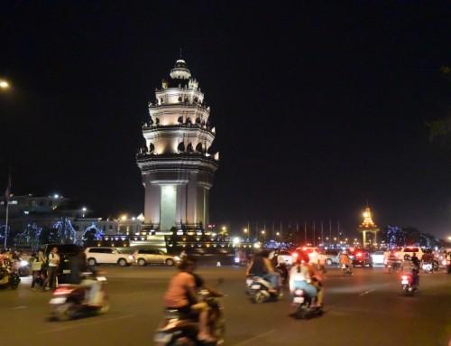 Phnom Penh, débordante et éprouvante