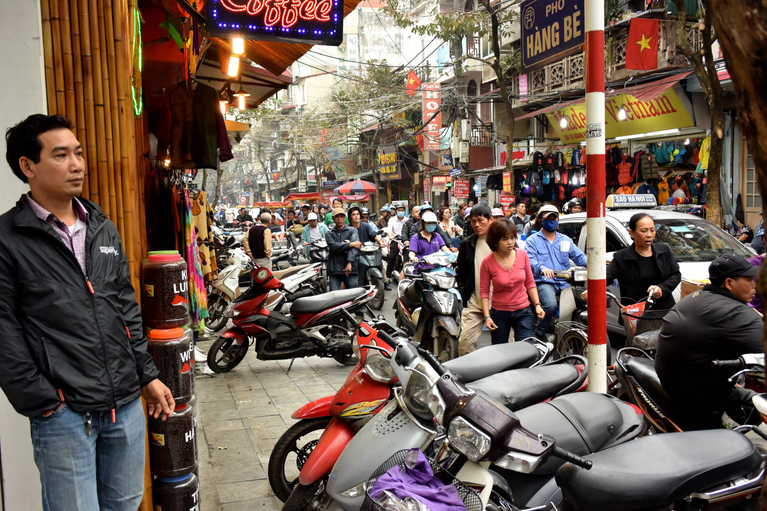 Dans les rues d'Hanoi 1