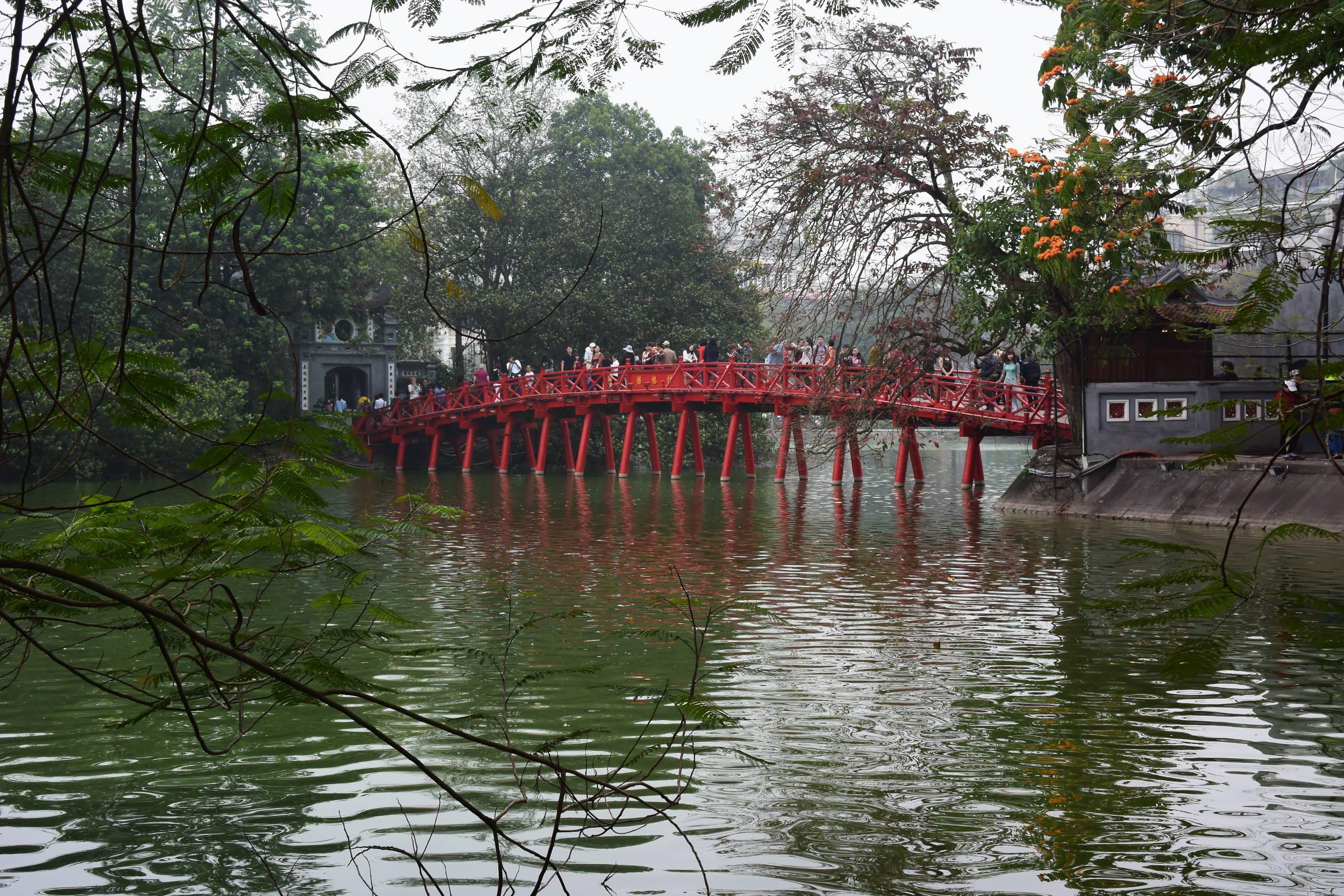 Lac Hoan Kiem 2